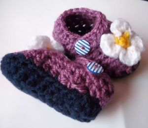 purple daisy crochet baby shoes